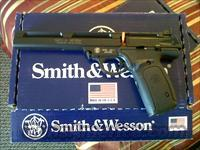 "Smith and wesson model 22a 7"" barrel sku:107430"