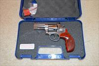 "Smith and Wesson 686 3"" Deluxe Talo"