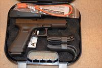 Glock 17 Gen4 with Night Sight FREE SHIP!