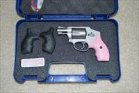 Smith & Wesson 642 Airweight Pink