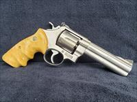 Smith & Wesson 610 - 5