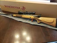 Winchester M70 Super Grade Maple with Leupold VX2 3x9x50 Gloss