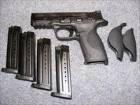 Smith & Wesson M&P9, Ambi Safety, Four 17-rd Mags