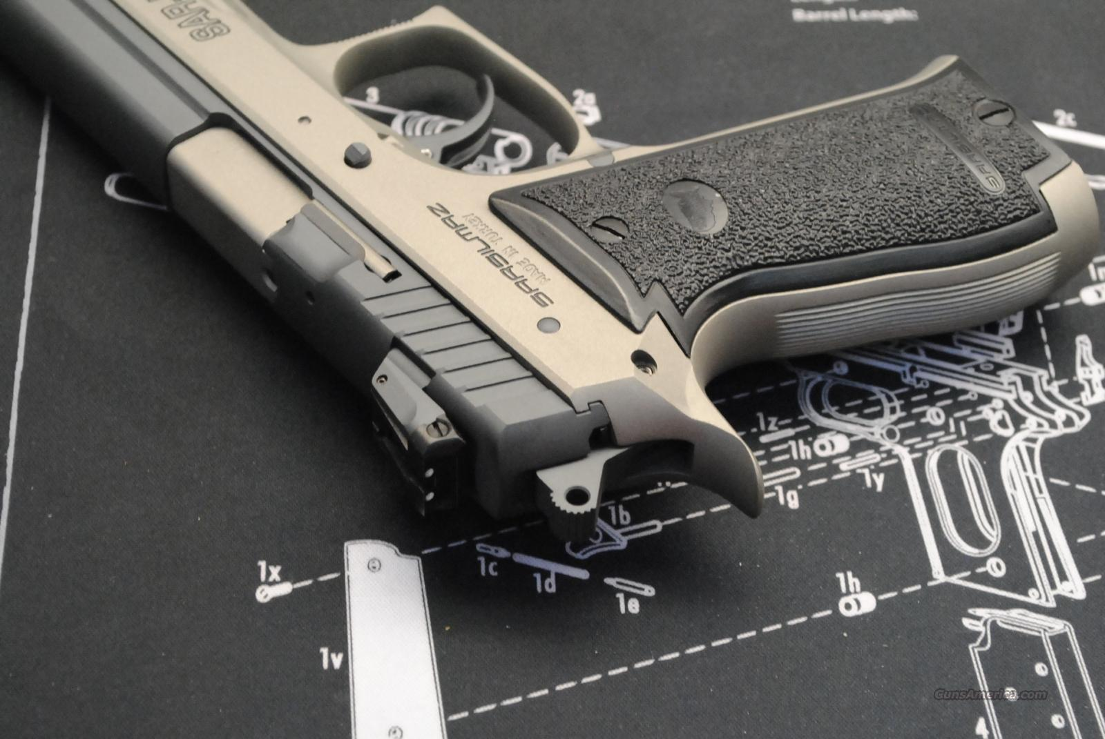 SAR-K2/45 14 Rounds of 45 ACP plus 200 rounds 45 acp