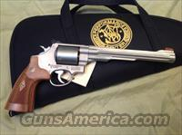 Smith & Wesson Performance Center model 629 Hunter 44 magnum