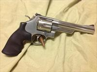 Smith & Wesson model 657-3 41 magnum stainless