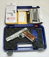 Smith & Wesson SW1911TA semi-automatic pistol ~ .45ACP ~ Box, Papers TACTICAL 1911