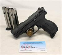 Walther P22 semi-automatic pistol ~ .22LR ~ (3) Magazines ~ GREAT CONDITION