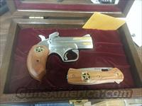BOND ARMS TEXAS RANGER 45LC/.410 w/ COLLECTOR BOX AND BUCK KNIFE