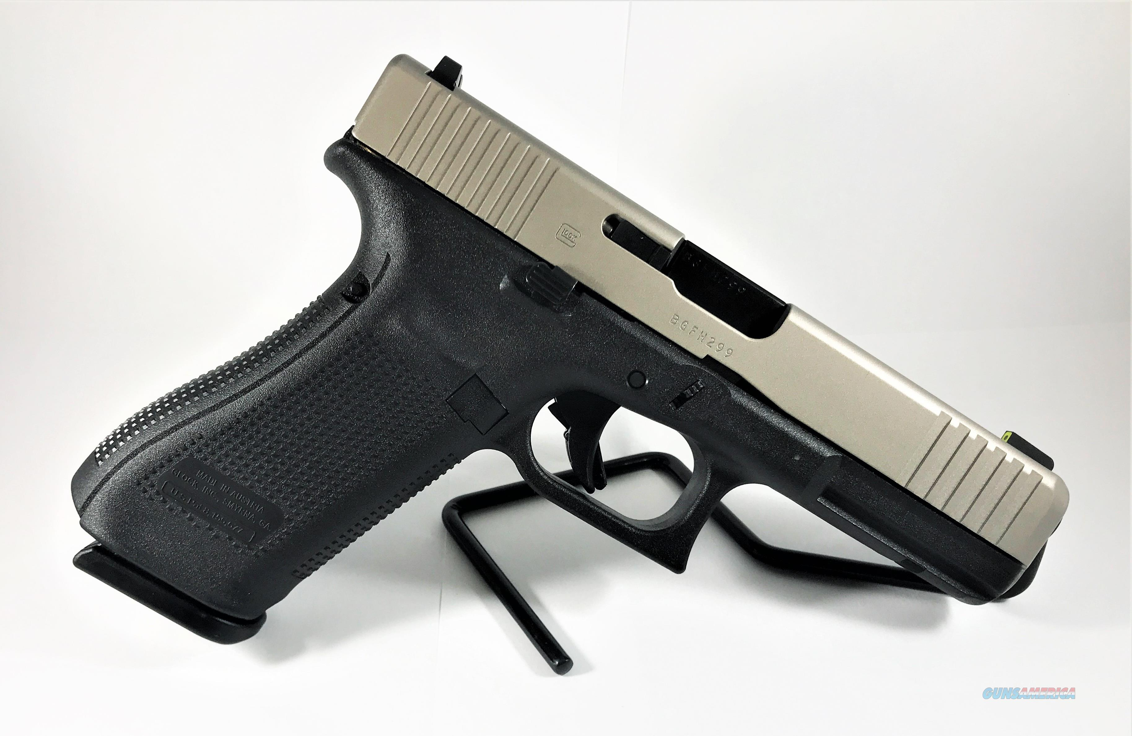 Custom Glock 17 Gen5, Front Serrations, Thin Line Slide Porting, 9MM,  Stainless Finish, Tritium Sigh