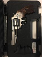 NEW Smith & Wesson Performance Center  M627-5 .357 Magnum 8 rounds