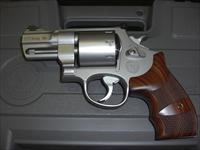SMITH AND WESSON M627 PERFORMANCE CENTER 357 MAGNUM 8 SHOT