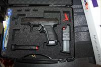 """Walther Q4 Steel Frame 9mm 4"""" 15 RD 3 Mags"""