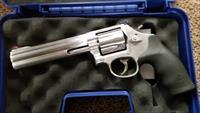 SMITH & WESSON 686-6 357 MAGNUM