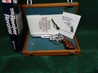 Smith & Wesson 629-3 Carpenter Tecnology Corporation Commemorative