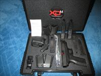 "5 16+1 Mags & 2 Double mag pouches, LAST ONE!!! NEW XDM40, 4.5"" Barrel, all black pistol, Range Kit!"