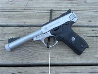 "NIB Smith and Wesson Victory 5.5"" Threaded 10201"