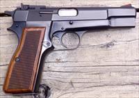 Browning Hi Power 9mm, custom sights and checkering, 2 mags., Belgium