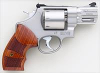 Smith & Wesson Performance Center 627-5 .357 Magnum, 2.6-inch, 8-shot, stainless, 99.5%