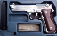 Beretta 92F Stainless 9mm, Italy, 2X 15-round, not Inox, wood grips