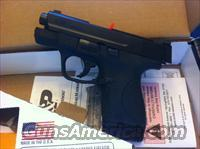 Smith & Wesson M&P Shield 9mm - no safety