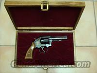 Smith and Wesson Model 10-8 .38 special (Commemorative)