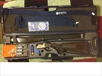 "Beretta 686 Onyx Ducks Unlimited edition O/U 12 GA 28"" Brls with extras"