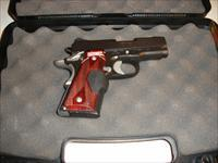 Kimber 1911 Ultra Carry II w/Crimson Trace Laser Grips