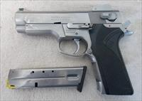 SMITH & WESSON 4006 USED