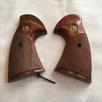 COLT PYTHON FACTORY WOOD GRIPS
