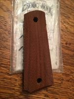 1911 BLACK WALNUT WOOD GRIPS