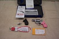 SMITH & WESSON  MOD 637 38 SPL+P  PINK GRIPS