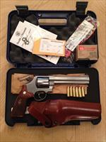 "ATTENTION COLLECTORS:  SMITH & WESSON 629 ""CLASSIC"" 44 MAGNUM/FULL LUG 6"" BARREL"