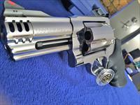"GORGEOUS Smith and Wesson 500 magnum 4"" NEW Bright Stainless MIRRORED FINISH"