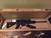 Mint Condition Smith Wesson M&P-15 in 223 Rem (5.56 NATO)