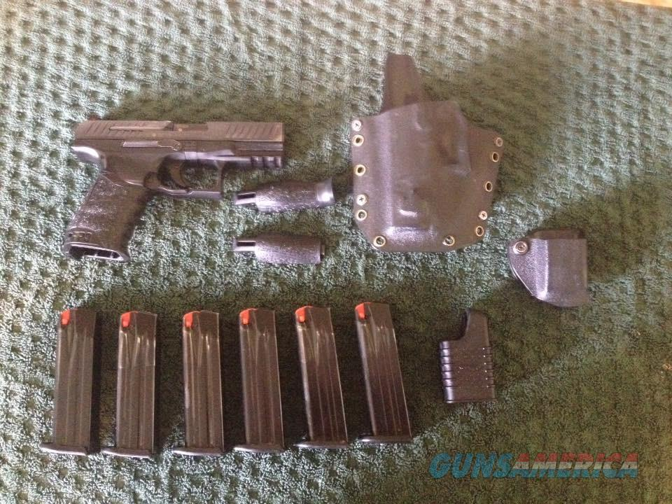 Walther PPQ M1 Paddle Mag Release 9MM w/ 6 Mags, Holster and Mag Pouch