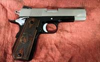 "DAN WESSON COMMANDER CLASSIC BOBTAIL 4.5 "" 45ACP CUSTOM U.S.M.C OFFERS ACCEPTED WITHIN REASON THIS IS A CUSTOM PISTOL"