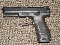 HK VP-9 LE PISTOL IN 9 MM WITH THREE MAGS AND NIGHT SIGHTS