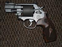 S&W MODEL 986 PERFORMNCE CENTER 9 MM REVOLVER WITH 2-5/8 INCH SLABSIDE BARREL