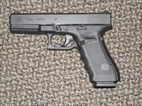 GLOCK MODEL 22 WITH THREE MAGS AND NIGHT SIGHTS .40 S&W PISTOL