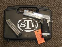 "STI MODEL ""DVC LIMITED"" IN .40 S&W"