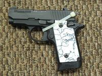 SIG SAUER P238 WTH CUSTOM GRIS, 2 MAGAZINES AND NIGHT SIGHTS