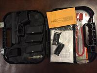GLOCK 27 WITH HARD CASE & ACCESSORIES