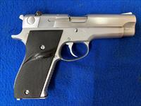 Smith & Wesson Model 39-2, 9MM