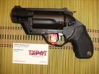 TAURUS JUDGE PUBLIC DEFENDER POLY .45LC/.410 - FIBER OPTIC SIGHT - BIG POWER IN SMALL PACKAGE