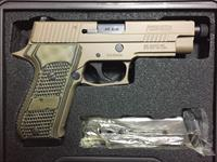 Sig Sauer p220 scorpion elite threaded barrel, night sights 45ACP