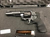 "S&W M&PR8 8RD 357MAG/38SP +P 5""***NEW IN BOX***"