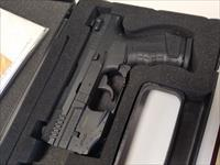 Walther P22 3 3/8'' Barrel all black 1 mag, laser, and box .22LR!!