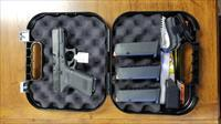 Glock 19 gen 5 w/ 3 mags and add ons! PA1950303AB