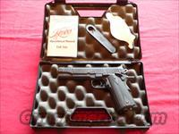 REDUCED Kimber Model Classic Custom cal. 45ACP Semi-automatic Pistol (standard 1911 Model)